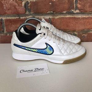 Nike Tiempo soccer Indoor shoes Sz 6.5